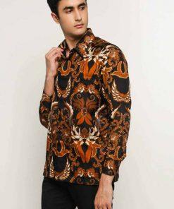 Long sleeve batik Didesain casual Pointed collar, front hidden button opening, dan left front pocket Sangat nyaman saat digunakan Material : Semi sutera